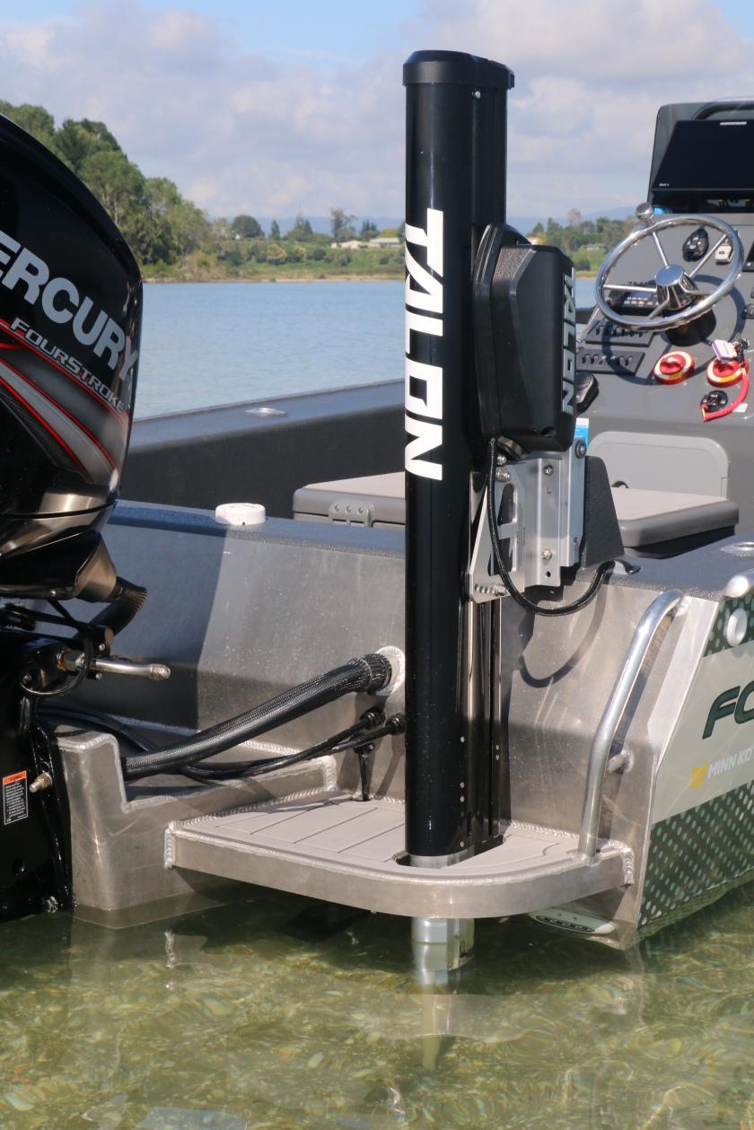 King Tide – New guide vessel – Salt water fly fishing guide