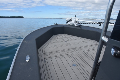 fly fishing boat, centre console, fly fishing, rod, reel, flies, salt water, guide, golden bay, Tauranga